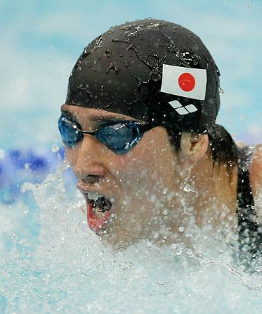 五輪・藤井の力泳