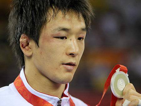 五輪・男子フリー55キロ級の松永が銀