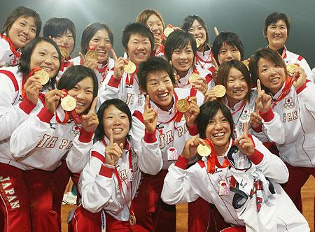 五輪・喜びの日本チーム