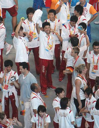 五輪・閉会式の日本選手団
