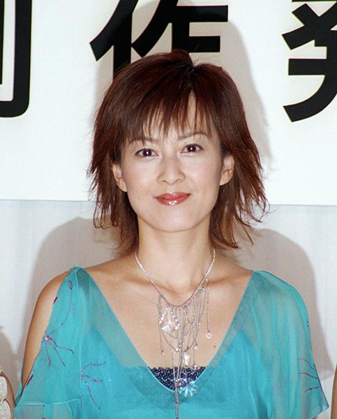 赤い唇の森尾由美さん