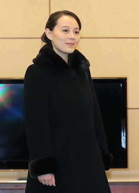 韓国ソウル郊外の仁川空港に到着した、北朝鮮の金正恩朝鮮労働党委員長の妹、与正氏。平昌冬季五輪の開会式に出席する