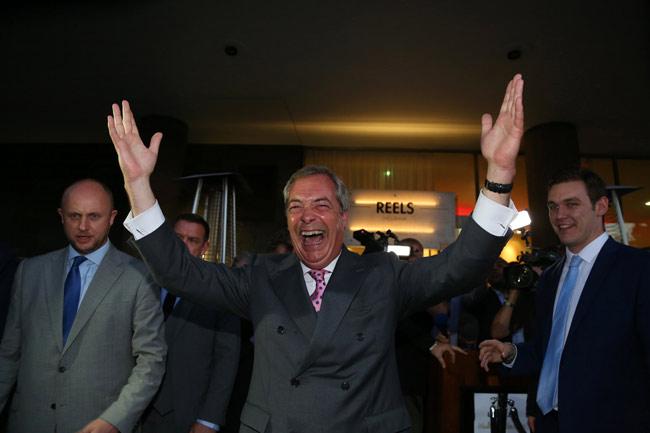 英国民投票 EU離脱へ 写真特集:...