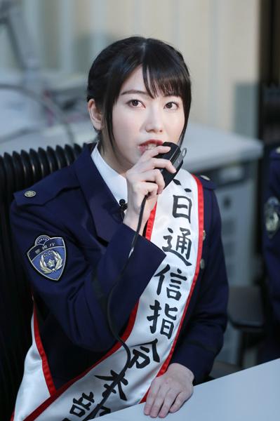 都内に現れた美少女すぎる警察官に話題沸騰!!! ->画像>36枚
