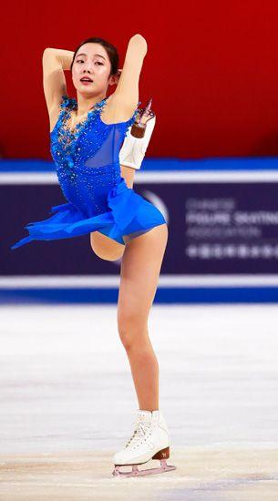 中国杯の女子フリーで演技する本田真凜=\u2026:女子フィギュア 本田