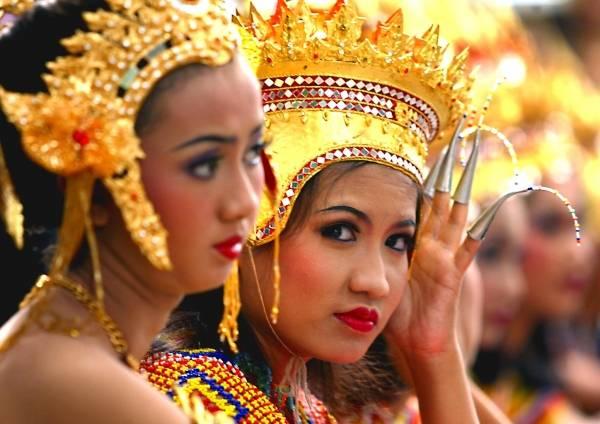 魅惑のタイ伝統舞踊 写真特集
