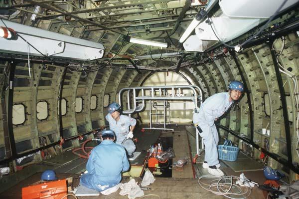 日本航空ジャンボ機の前部与圧隔...