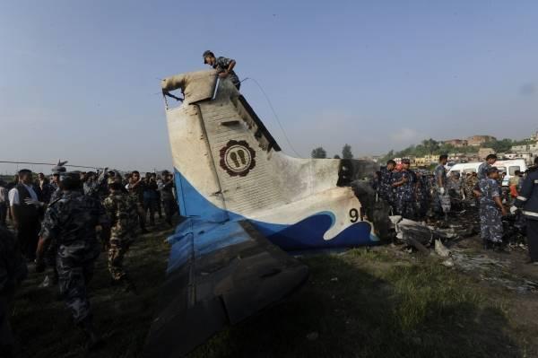 ネパール国内線墜落事故 写真特集