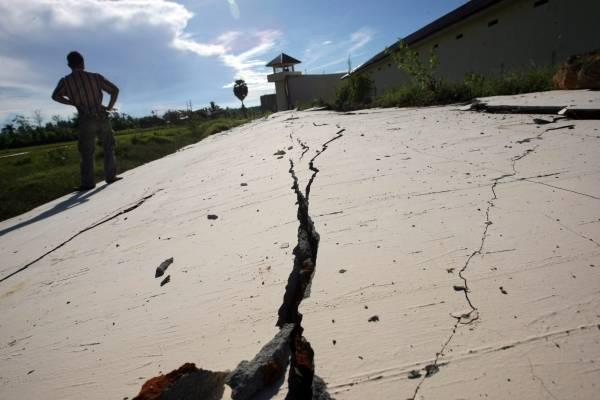インドネシアで巨大地震 写真特集