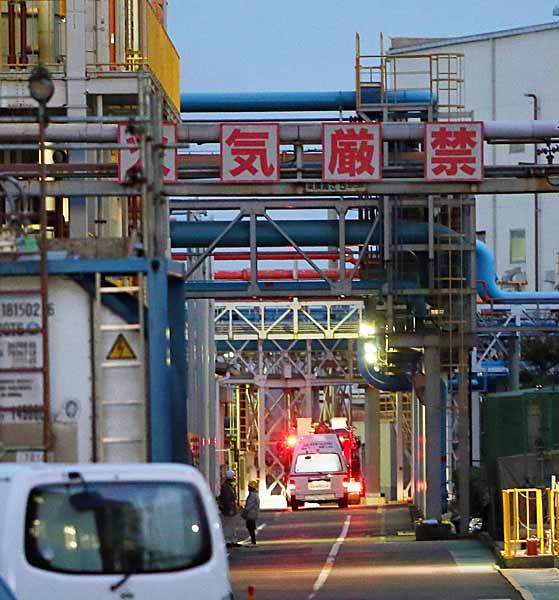 三菱マテリアル工場で爆発〜5人死亡、三重・四日市〜 写真特集