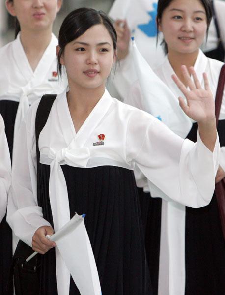 李雪主氏は1989年生まれの歌手で、高官の娘ではなく、