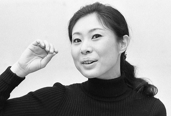 女優の中村玉緒さん。1972年2月撮影:女優・中村玉緒さん 写真 ...