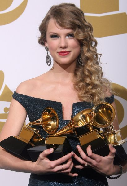 第52回グラミー賞で、「最優秀アルバ…:歌姫 テイラー・スウィフト ...