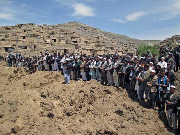 アフガニスタンで地滑り〜2000人以上が犠牲に〜 写真特集