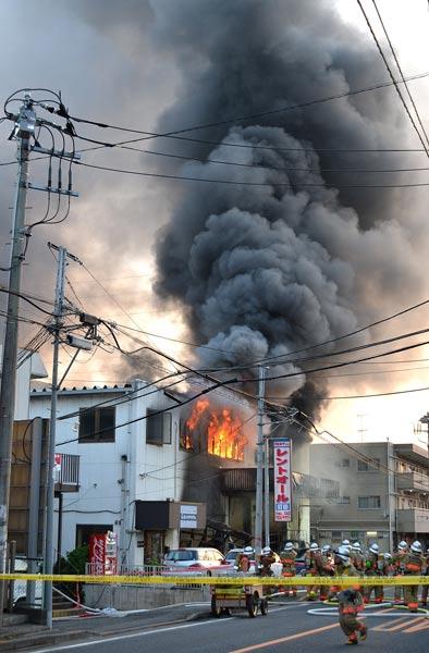 東京都町田市で工場爆発 写真特集