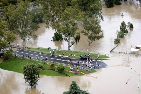 オーストラリア東部で洪水 写真特集