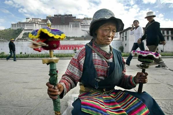 中国チベット自治区の中心都市ラ...