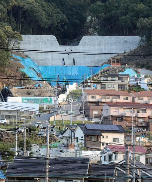【大雨】広島県福山市でため池2ヶ所が決壊したとの情報。付近の住民に避難指示 YouTube動画>1本 ->画像>24枚