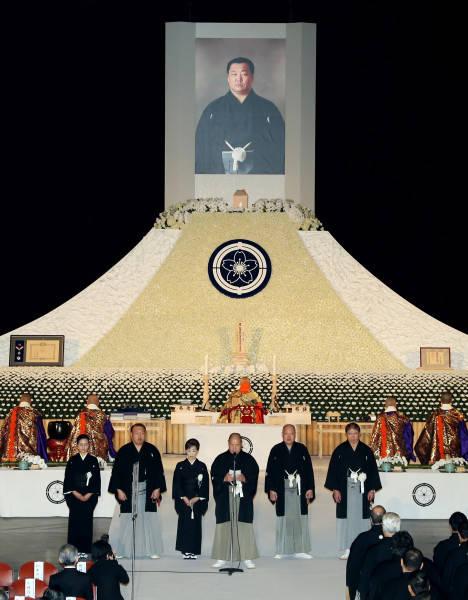北の湖親方の日本相撲協会葬で弔...