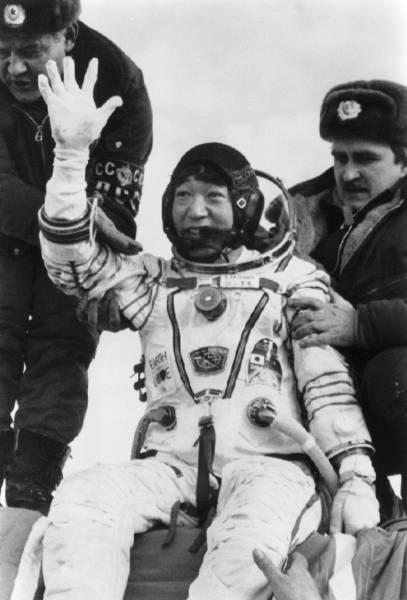 憧れの宇宙飛行士〜青い地球を見た日本人〜 写真特集