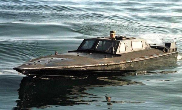 韓国が復元した北朝鮮の半潜水艇。韓国海軍が撃沈し…:北朝鮮の軍事力 ...