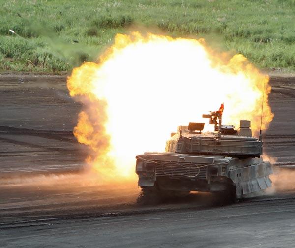陸上自衛隊「10式」戦車 写真特集