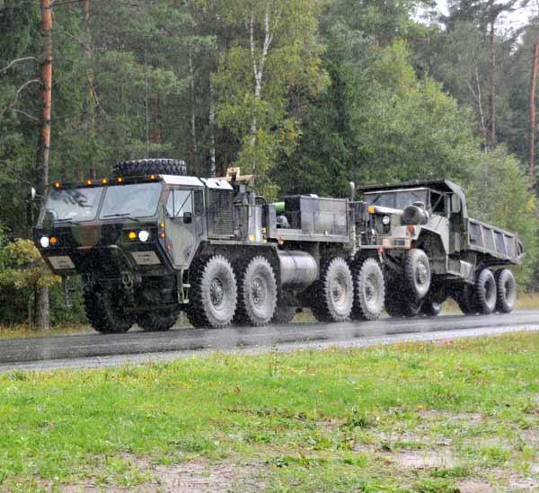 M984重レッカー車 輸送車両大手の米オシュコシュ…:アメリカ陸軍 ...