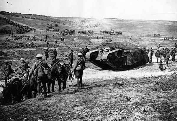 1916年9月のソンムの戦…:戦車の時代~第1次世界大戦の新兵器 ...