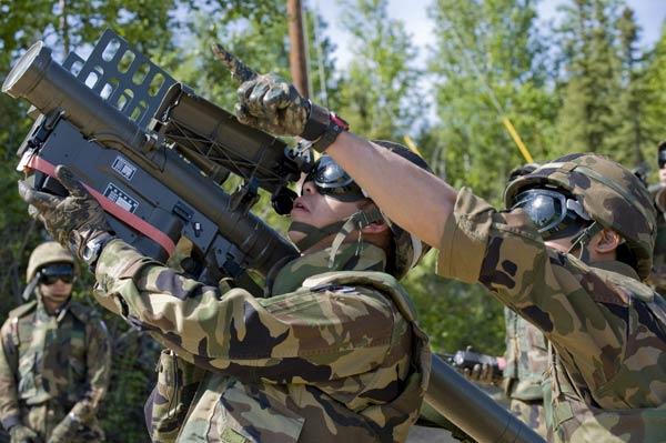 米アラスカ州で行われた合同軍事演習で91…:世界のミサイル・無人機 ...