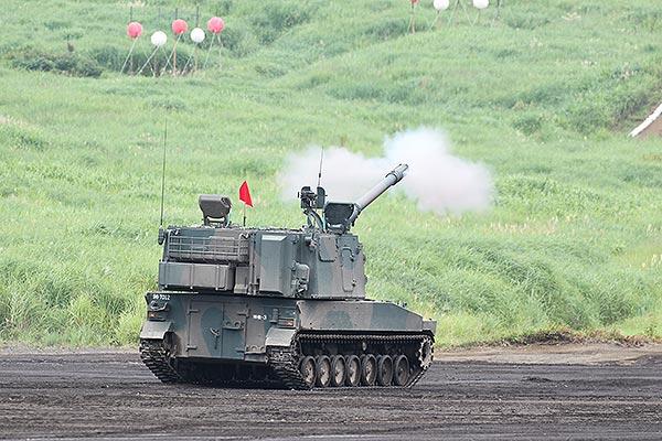 陸上自衛隊、富士総合火力演習20...