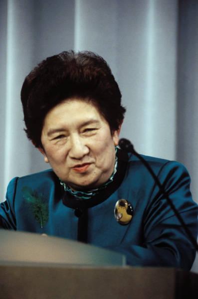 女性大臣の系譜 写真特集
