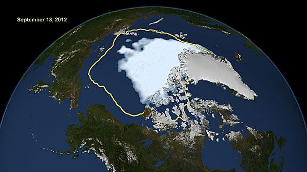 米航空宇宙局(NASA)が公表した2012年9月13日の北極海の海氷の画像。面積は観測史上最小を更新した。黄色い線は1…