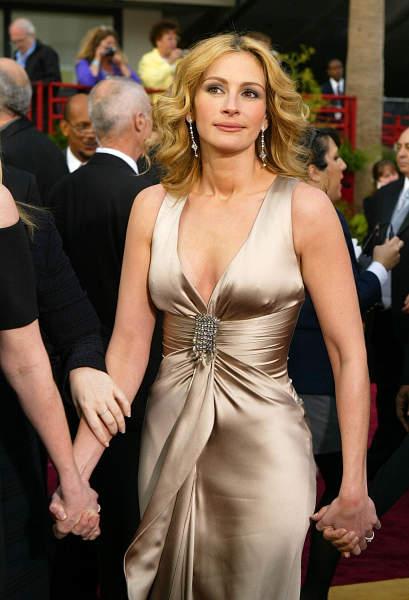 ロバーツ ジュリア 「世界で最も美しい人」ジュリア・ロバーツが5冠…ってなんで?