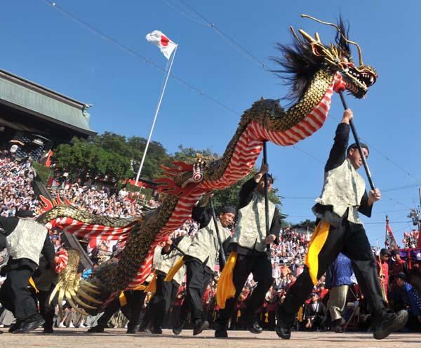 毎年10月7日〜9日にかけて開かれる諏訪神社(長崎市上西山町)の秋の大祭「長崎くんち」。370年余りの伝統を誇り、国の…
