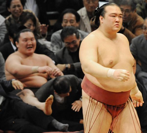 ○稀勢の里×白鵬63連勝 2010年…:...