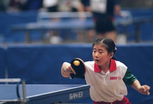 全日本卓球女子シングルス一般の部で小学生とし…:天才少年・天才少女 写真特集:時事ドットコム
