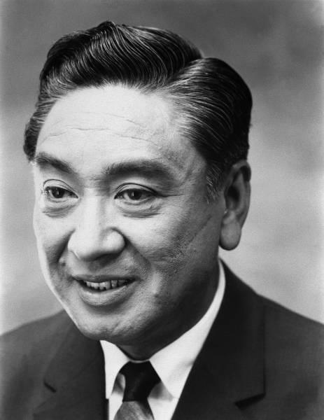 長谷川一夫(ハセガワ・カズオ)...