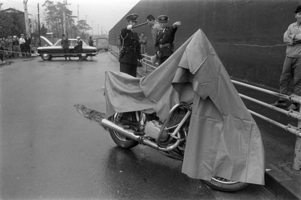 1968年12月10日午前9時20分ごろ、東京・府中…:3億円事件 ...