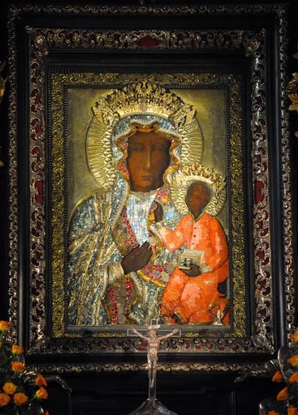 イエス・キリストを抱いたマリア...