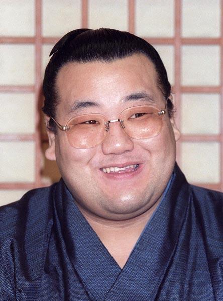 大相撲の元大関で、スケールの大きな取り口で人気を…:追悼 2015 写真 ...