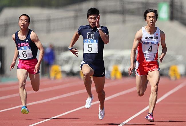 招待選手による男子100メートル...