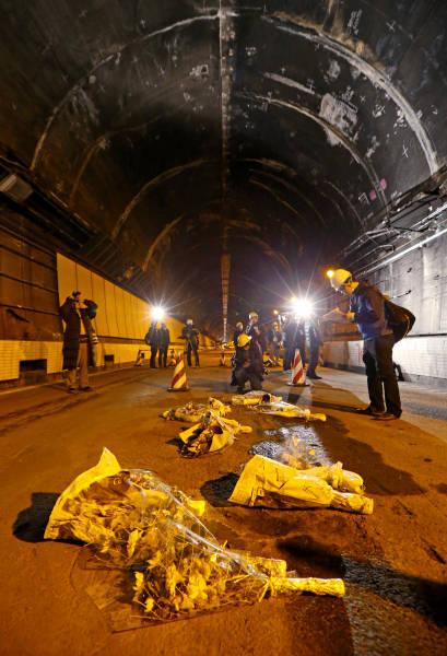 山梨・中央道トンネル崩落事故 写真特集