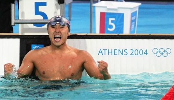 2004年アテネ五輪の競泳男子100...