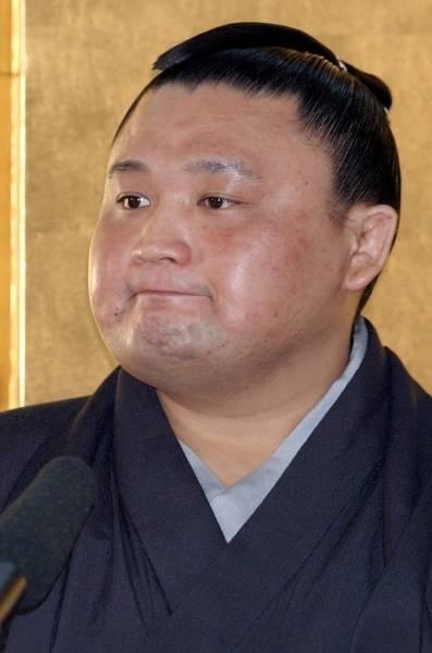 現役引退を決め記者会見に臨む横綱貴乃花。「横綱になれた