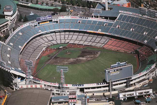②後楽園球場1937年完成。主に巨人の本拠地…:懐かしの野球場10 写真特集:時事ドットコム