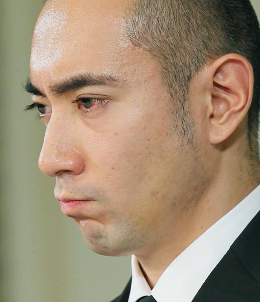 「海老蔵 記者会見 暴行」の画像検索結果
