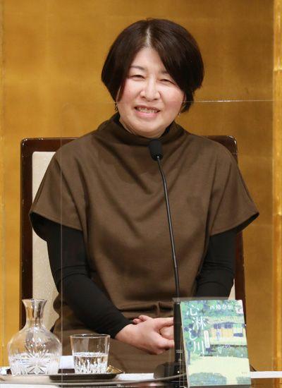 芥川・直木賞の受賞作家 写真特集:時事ドットコム