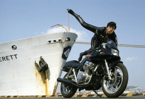 故石原裕次郎さんと渡哲也さんの2大スターが主演し、豪快な爆破シーンと出演陣の体を張ったアクションで1980年代前半に一…