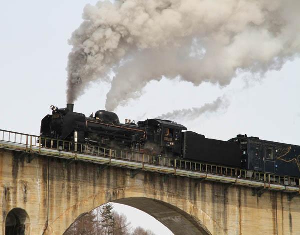 JR釜石線、観光列車「SL銀河」〜車内に広がる宮沢賢治の世界〜 写真特集