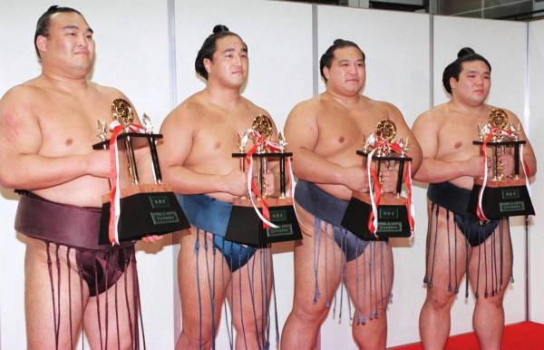 2000年大相撲名古屋場所千秋楽、...